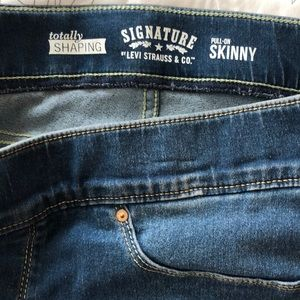 Denim - Signature Levi's Strauss pull on jeans